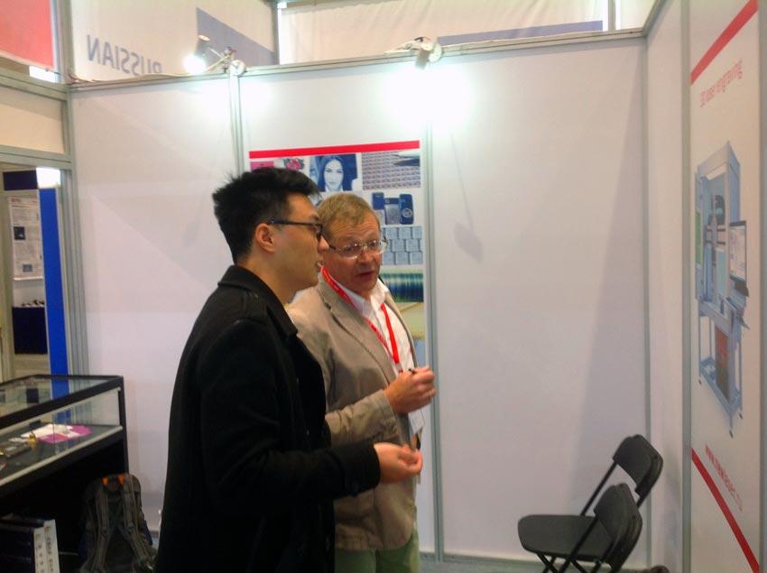 Российские лазерные технологии вызвали большой интерес со стороны китайских специалистов на выставке Optic Valley of China